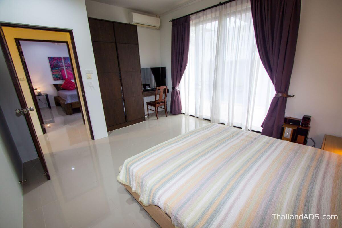 3_bedroom_villa_lerua_for_sale_rawai_phuket_bedroom2.1